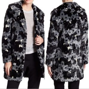 NWT Betsy Johnson Faux Fur Floral Pattern Coat